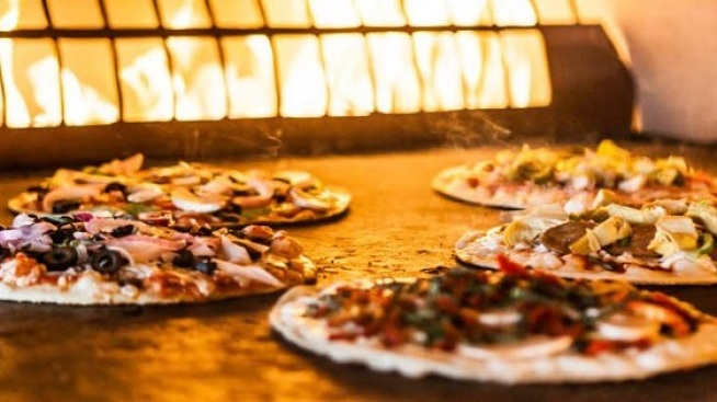 Delish: Pizza Fundraiser in Thousand Oaks