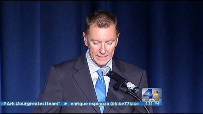 Despite threats to LAUSD's budget, Superintendent John Deasy says he wants to equip students and teachers with tablet computers by the next school year. Patrick Healy reports from the NBC4 Newsroom for the NBC4 News at 5 p.m. on August 9, 2012.
