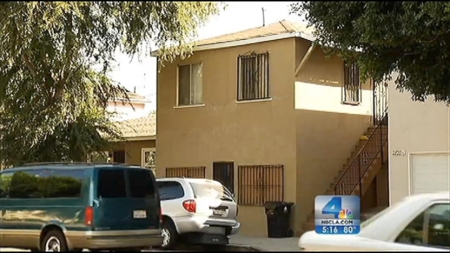 Caltech engineers say 1-story, wooden homes are the safest in the event of a major earthquake, while brick structures are the ones least likely to withstand the shaking. Ted Chen reports for the NBC4 News at 5 p.m. on Oct. 18, 2012.