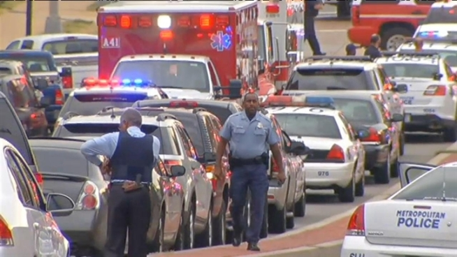 The FBI announced Tuesday afternoon that it believes Aaron Alexis is the sole gunman in Monday's deadly mass shooting at the Navy Yard, but the motive at this point is still unknown. News4's Pat Collins reports.