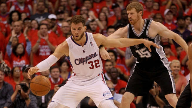 Clippers Lose 21-Point Lead, First Place