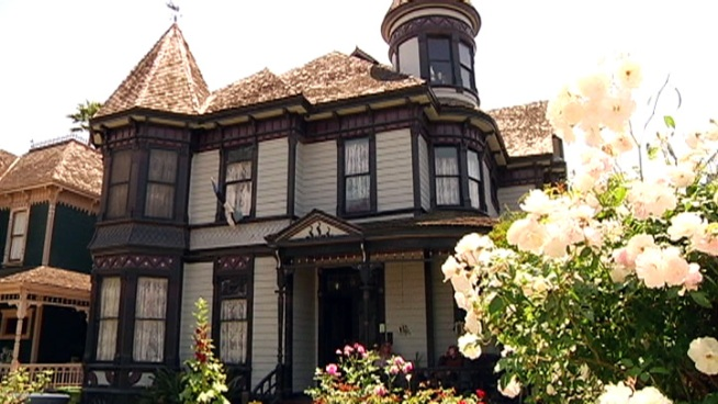 Planaria Price and Murray Burns have restored over 30 historic Victorian and Craftsman homes in LA's oldest suburb, Angelino Heights.