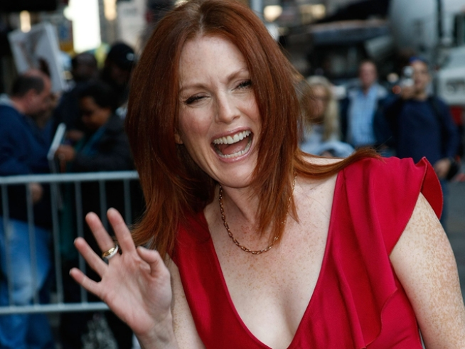 Blind Activists Plan Protest of Julianne Moore's Movie 'Blindness'
