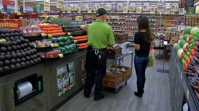 SoCal Grocery Store Members Vote in Favor of Authorizing Strike