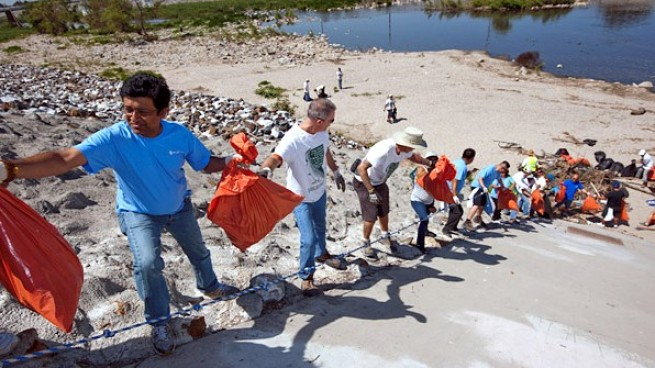 The Great Los Angeles River Cleanup