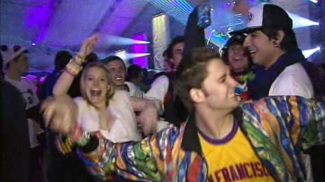 Thousands Pack LA Sports Arena for New Year's Eve Rave