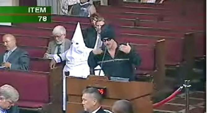 City Settles Lawsuit With Man Who Wore KKK Hood to LA Meeting