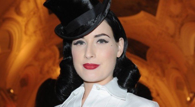 Dita Von Teese Twitters (and Debuts) New Act