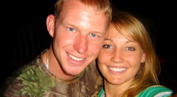Husband and Wife, Both Named Kelly Hildebrandt, End Marriage