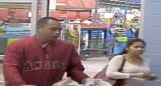 Police Looking for Thieves Caught on Video Using Stolen Credit Cards