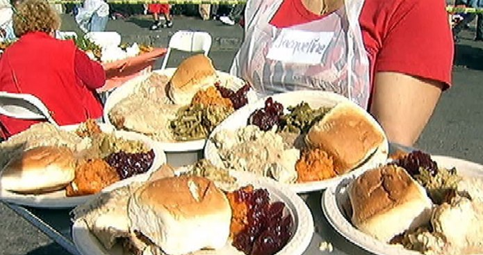Community Groups Plan Thanksgiving Day Meals in Los Angeles County
