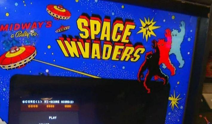 New Arcade Features Retro Games