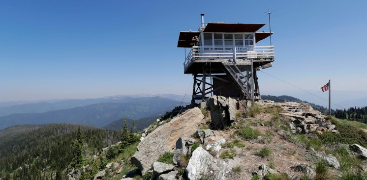 [NATL-LA GALLERY] PHOTOS: The View From a Wildfire Lookout Tower, Inside and Out