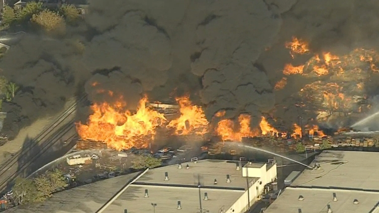 Smoke Advisory Issued After Recycling Plant Fire