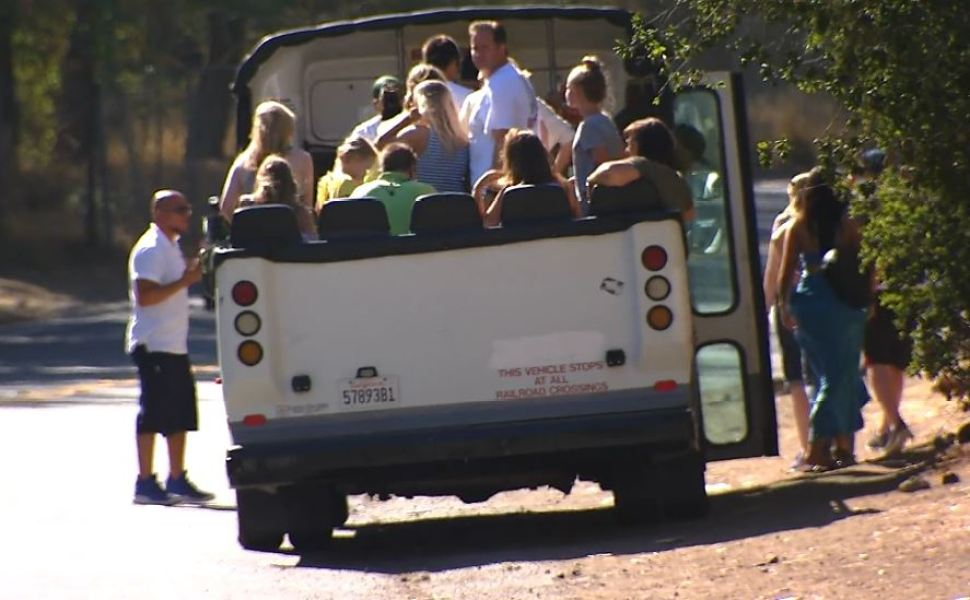 Hollywood Tour Trouble Part 1: Residents Concerned