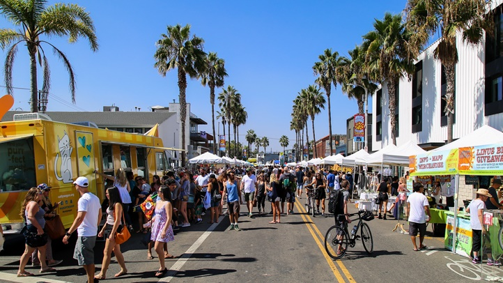 Spend the final day of September enjoying food trucks, craft browsing, kid fun, a beer garden, and more.