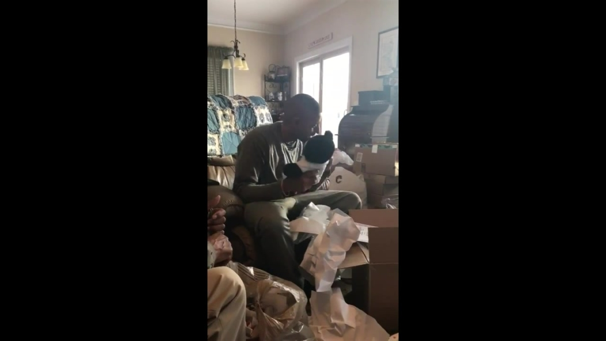 Dexter Tinnin receives a Build-A-Bear with his late mother's final voicemail for Christmas.