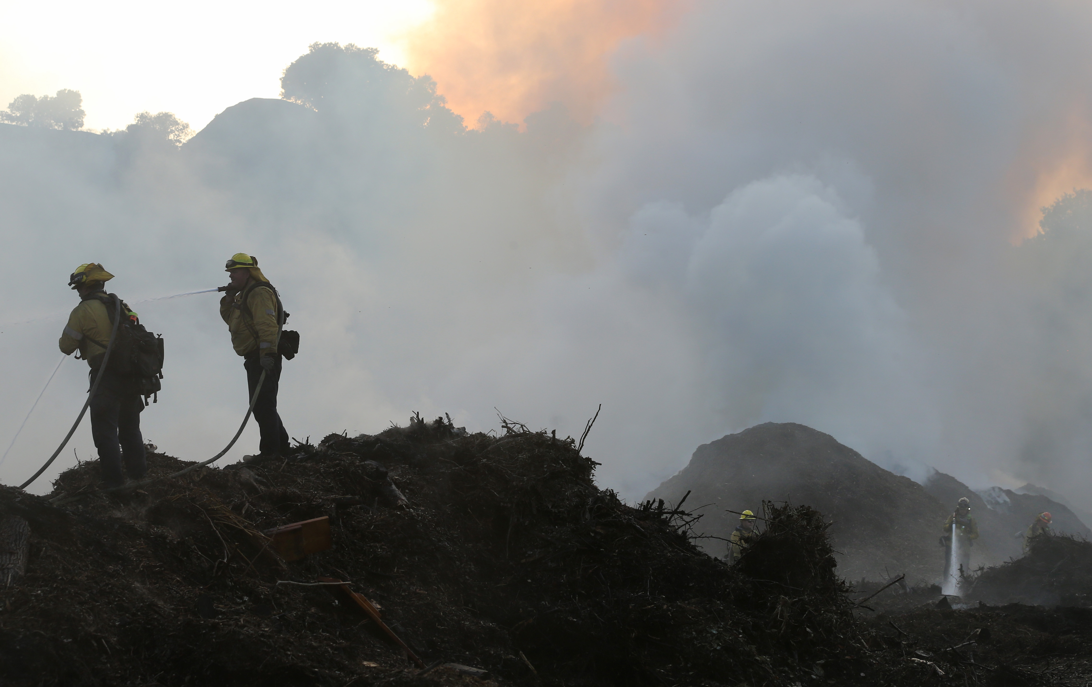 Wildfire Threat Diminishes After Days of Flames and Smoke in Southern California