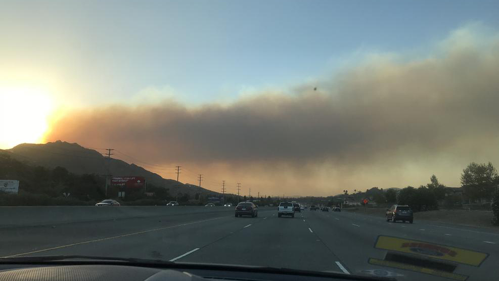 A view of the Hill Fire from the 101 Freeway on Thursday, Nov. 8, 2018.