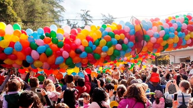 A balloon drop when the sun is high? That'll be the scene at the Pasadena-based educational museum on Monday, Dec. 31.
