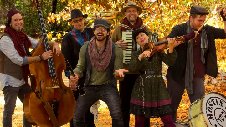 Concert #1 for the Grand Performances' December daytime line-up? Mostly Kosher, which will bring the klezmer-tastic tunes to California Plaza in DTLA on Tuesday, Dec. 4.