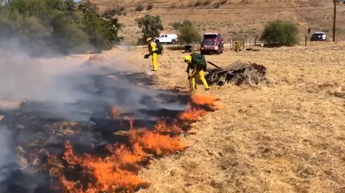 Brush Fire Threatens Homes in Jurupa Valley