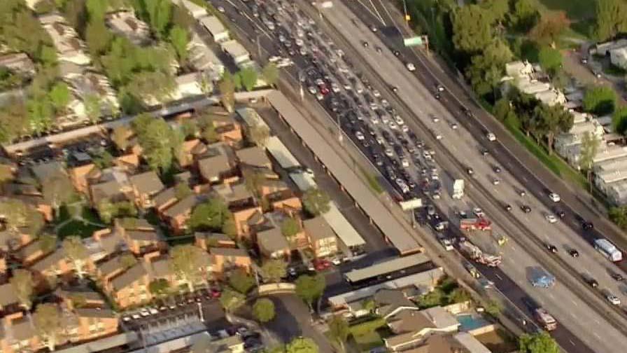 Crash on 91 Freeway Blocks All Westbound Lanes in Anaheim